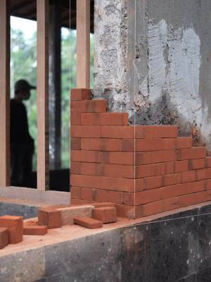 Site Practice - Precise Balinese brickwork under construction.
