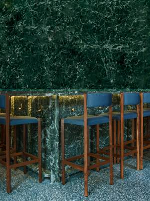 Site Practice - Bar in emerald green marble from Udaipur